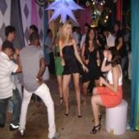 GALERA DANÇANDO AO SOM DE XANDDY DJ
