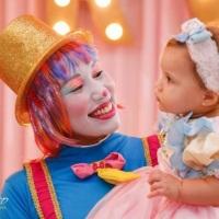 Palhacinha Lelé fazendo a criançada se encantar e se divertir..