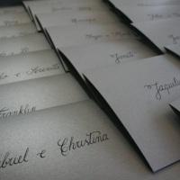 caligrafia | tinta preta em papel prata